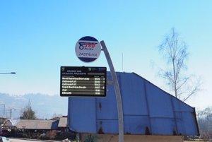 Nová informačná tabuľa pribudla na zastávke v Krásne nad Kysucou.