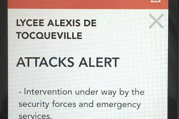 Francúzke úrady vydali varovanie pred teroristickými útokmi prostredníctvom mobilnej aplikácie.