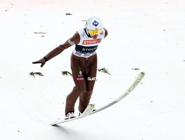 Kamil Stoch je najlepším skokanom tejto zimy.