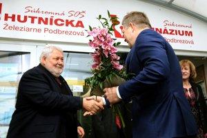 Privítanie riaditeľomm železiarní Vladimírom Sotákom.