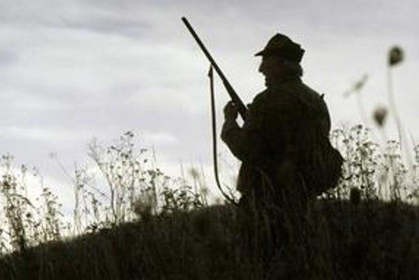 Aké poľovačky tam robili? Úrad by ich mal preveriť azistiť tak, kto hovorí pravdu.