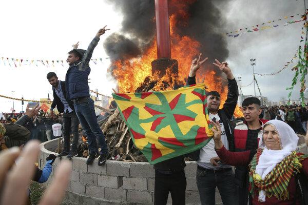 Oslavy nového roka v Turecku sprevádzali aj protesty.