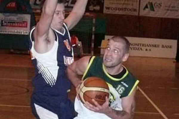 Pavel Bosák nastrieľal Nitre 25 bodov.