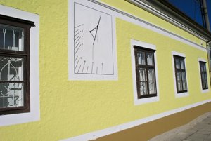 Tabuľu odhalili na budove Múzea Molpír.