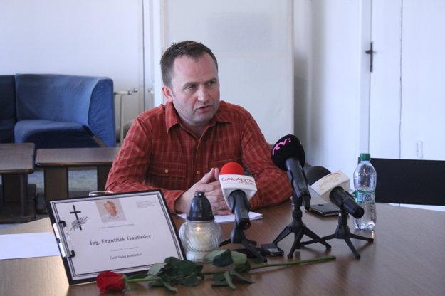 Peter Paška podľa jeho slov na poslancov nikdy nič nemal a ani nemá.