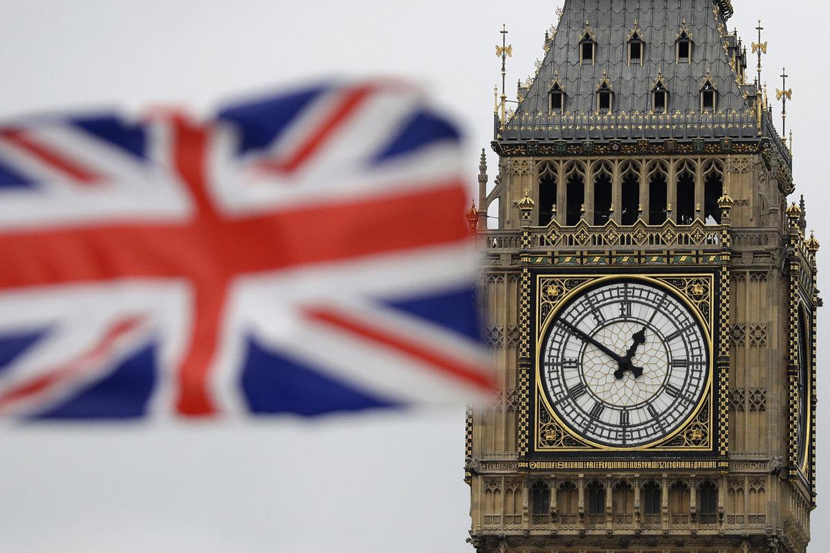 No väčšie rozdiely sú vo Veľkej Británii, kde centrálny Londýn výrazne uniká iným oblastiam.