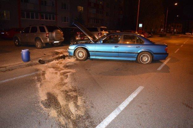 Auto zostalo po nehode nepojazdné.