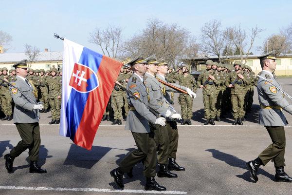 Slávnostná rozlúčka s vojakmi účelového zoskupenia Štefánik v Leviciach