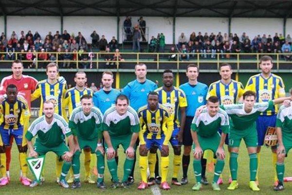 Mužskému futbalu v Stráňavách sa momentálne darí. OŠK si v minulej sezóne zahral aj proti Dunajskej Strede.