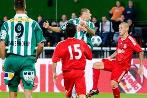 Martin  Škrtel v poslednom ligovom zápase síce hral, no v poriadku vraj stále nie je.