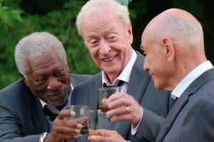 Morgan Freeman, Michael Caine a Alan Arkin vo filme Vo veľkom štýle.