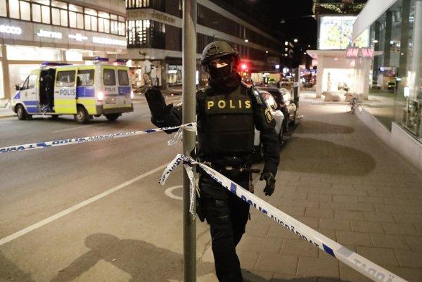 Švédsky policajt na mieste činu.