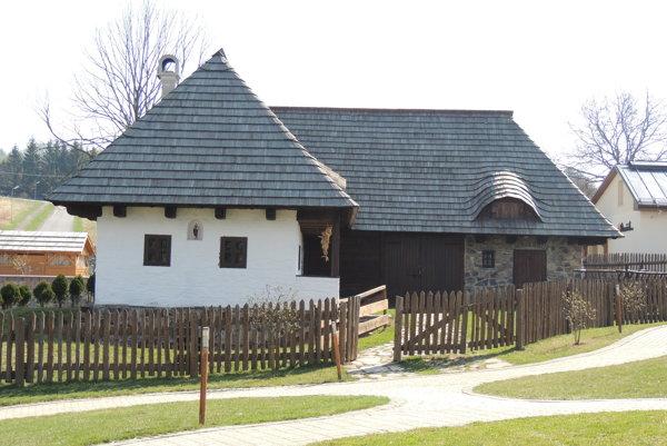 Domček postavili podľa pôvodných vzorov.