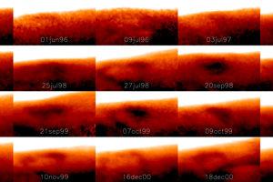 Zmeny tvaru a veľkosti Veľkej studenej škvrny počas niekoľkých dní. NKaždý záber predstavuje iný deň, na niektorých záberoch sa škvrna vôbec nenachádza.