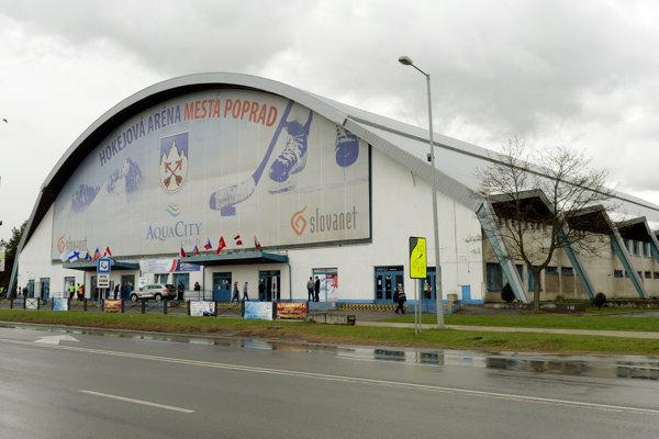 Na snímke zimný štadión v Poprade, ktorý je dejiskom zápasov A – skupiny majstrovstiev sveta v hokeji hráčov do 18 rokov.