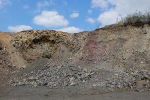 Pri obci Orechová v Sobranskom okrese sa nachádza aj kameňolom, v ktorom sa ťaží andezit.