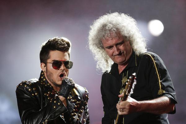 Adam Lambert s Brianom Mayom na koncerte v Brazílii.