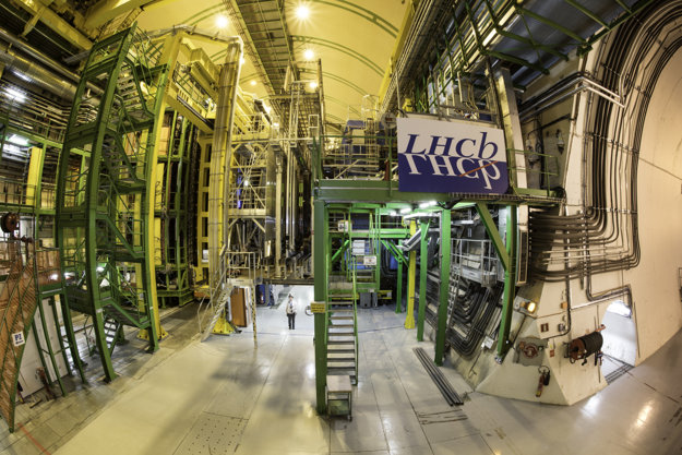 Experiment LHCb.