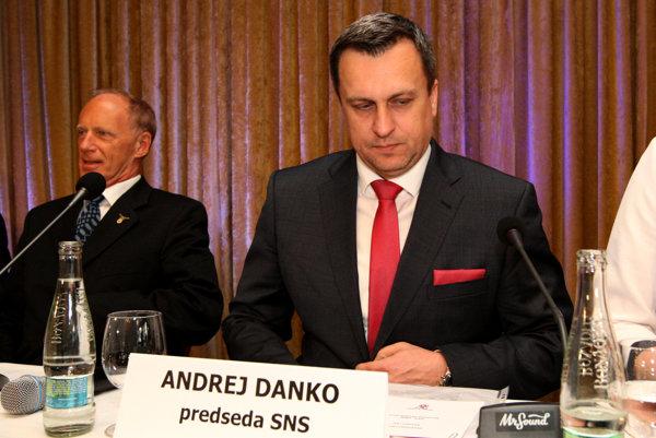 Predseda SNS Andrej Danko plánuje predstaviť svoj návrh na sprísnenie pravidiel pre politické strany v júni.