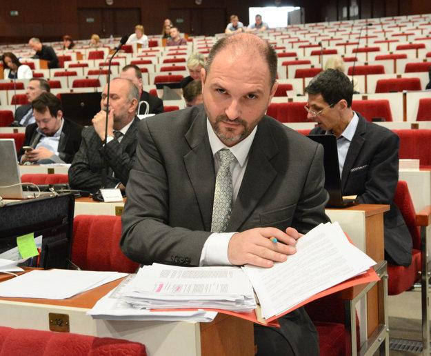 Porazený kandidát. Polaček sa pokúsil dostať do Kositu prostredníctvom členstva vdozornej rade.