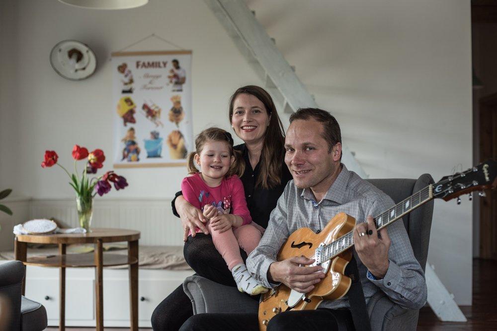 Rodina hudobníka Michala Štofeja našla šťastie v Horných Orešanoch.