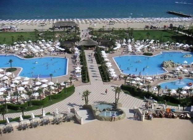 Slnečné pobrežie je ideálnou destiáciou pre mladých a rodiny s deťmi.