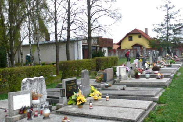 Súčasný cintorín vo Vrútkach už kapacitne nestačí, mesto plánuje vybudovať nový.