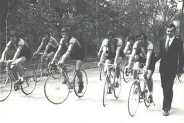Liptovská rodáčka sa presadila a zbierala úspechy v čase, keď československá cyklistická verejnosť upierala oveľa väčšiu pozornosť na vtedajšie mužské cyklistické osobnosti ako Jan Veselý a Vlastimil Ružička.