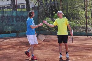 Matej Baliak a Miloš Herman počas zápasu vo štvorhre.