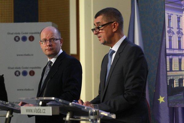 Sobotka vs. Babiš, konflikt, ktorý môže vyjsť Česko poriadne draho.