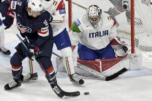 Američania vyhrávajú nad Talianskom.