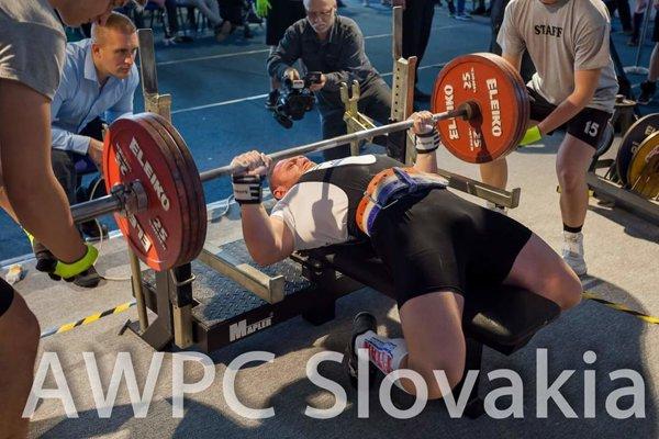 Na svoj pokus sa pripravuje Stanislav Močkor.