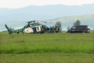 Vrtuľník po havárii.