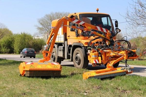 Nové stroje budú využívať cestári v Trenčianskom kraji.