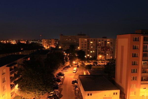 Nočný let nad Trnavou, podľa polície išlo o cvičenie.
