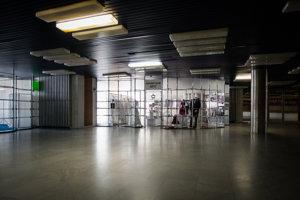 Od roku 2004 Istropolis chátra, v tom roku prestali fungovať tamojšie kiná a odvtedy z komplexu odišla aj väčšina zvyšných prevádzok.