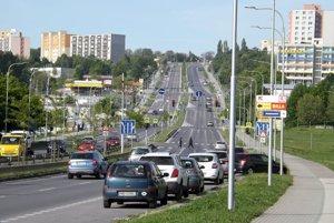 Dodávky budú môcť parkovať aj na Hviezdoslavovej triede.