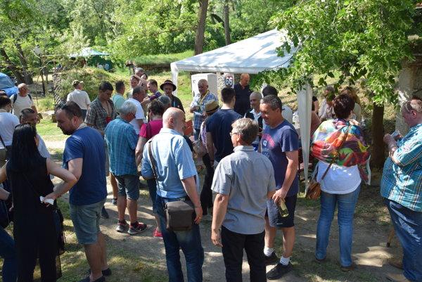 Návštevníci akcie strávili v prírode pekný deň.