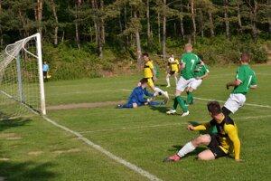 Jedna zo šancí futbalistov Krh. Podhradia.