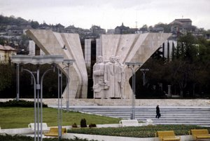 13.október 1982. Pamätník bývalého československého komunistického prezidenta Klementa Gottwalda na vtedajšom Gottwaldovom námestí (dnešné Námestie slobody) v Bratislave.