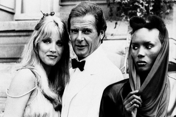 Roger Moore ako James Bond (14. 10. 1927 - 23. 5. 2017)