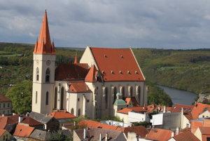 Žigmund Luxemburský zomrel v decembri 1437 v Znojme a nezanechal mužského potomka.