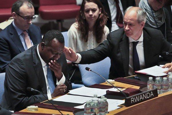 Rozhodnutie Bezpečnostnej rady OSN rwandského veľvyslanca Eugena-Richarda Gasanu dojalo k slzám.