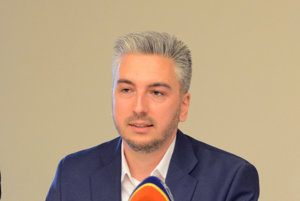 Rastislav Trnka. Tvrdí, že kraj chce riadiť slušne, odborne a transparentne.