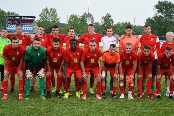 Posledná spoločná snímka futbalistov Serede v sezóne 2016/17.