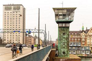 V Kodani je cesta do práce na bicykli rýchlejšia a lacnejšia ako autom.