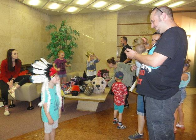 Deň v divadle si užívala aj rodina Galasovcov z Nitry.