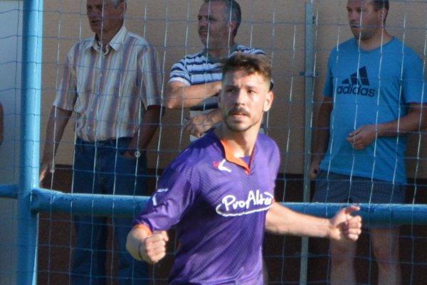 Michal Béger - dvojgólový strelec Hrušovian.