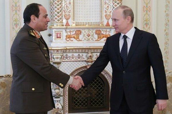Šéf egyptskej armády Abdal Fattáh Chalíl Sísí a ruský prezident Vladimir Putin.