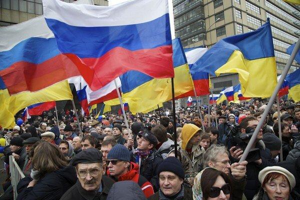 Desaťtisíce ľudí v polovici marca protestovalo proti politike prezidenta Vladimira Putina. Hlavné televízie o tom mlčali.